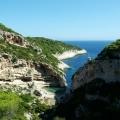 Vis_(island)-Stiniva_bay