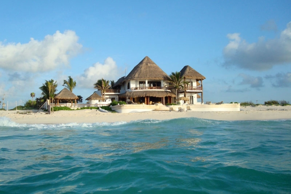 Check Out At Riviera Maya Beach House To Enjoy Vacations
