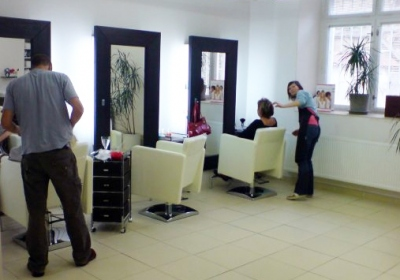The Prerequisites Of Starting A Self-owned Salon Business