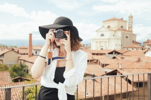6 Passive Income Opportunities That Allow People To Travel More