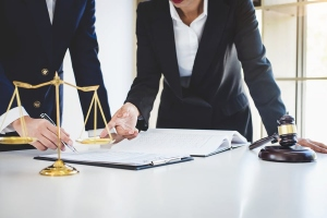 Situations That Would Require You to Have An Injury Lawyer