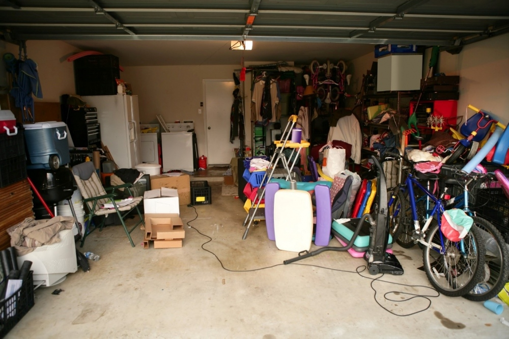 How to Declutter A House: A Simple Guide
