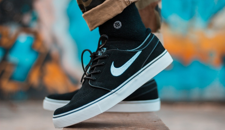 5 Tips for Buying and Reselling Shoes for a Profit