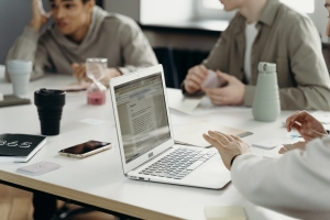 Top Cleanliness Issues for All Office Workers Must Consider in 2021
