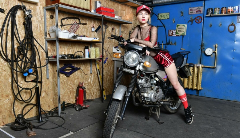 How to Mount GoPro on Motorcycle Helmet