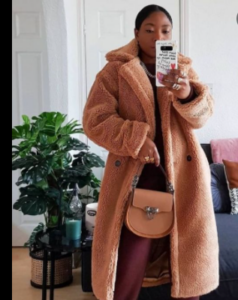 How to Choose and What to Wear With A Colored Fur Coat?